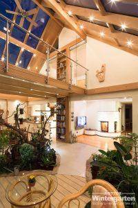 Wintergarten Holz Alu Glashaus Lampe zweigeschossig