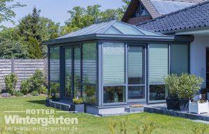 Holz-Alu Wintergärten Innenbeschattung Walmdach Beleuchtung