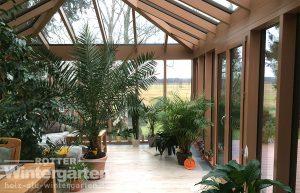 Wintergarten Holz Aluminium mehr Licht für Pflanzen